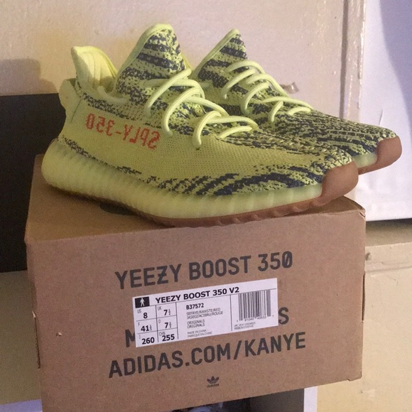 Yeezy 350 v2 semi frozen yellow size 8 New Boutique